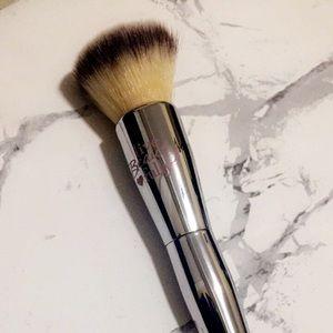 It cosmetics 206